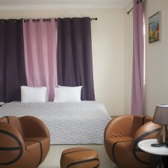 At Home Boutique Hostel and Suite комната для гостей фото 2