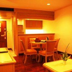 Grand Tower Inn Rama VI Hotel в номере