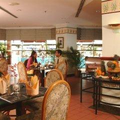 Отель Copthorne Orchid Hotel Penang Малайзия, Пенанг - отзывы, цены и фото номеров - забронировать отель Copthorne Orchid Hotel Penang онлайн гостиничный бар