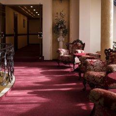 Отель Hof Hotel Sfinksas Литва, Каунас - отзывы, цены и фото номеров - забронировать отель Hof Hotel Sfinksas онлайн интерьер отеля