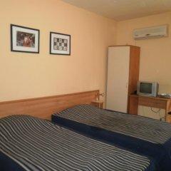 Отель Family Hotel Kredo Болгария, Сливен - отзывы, цены и фото номеров - забронировать отель Family Hotel Kredo онлайн комната для гостей фото 2