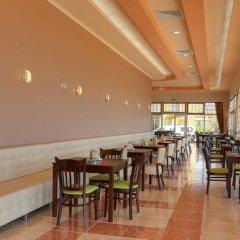 Отель Menada Grand Resort Apartments Болгария, Дюны - отзывы, цены и фото номеров - забронировать отель Menada Grand Resort Apartments онлайн гостиничный бар