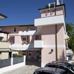 Hotel Villa Cicchini Римини парковка