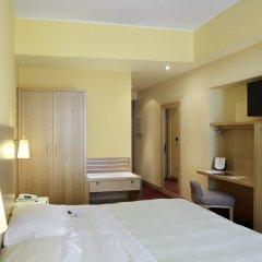 Отель UNA Hotel Tocq Италия, Милан - отзывы, цены и фото номеров - забронировать отель UNA Hotel Tocq онлайн сейф в номере