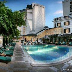Отель Sofitel Legend Metropole Ханой бассейн