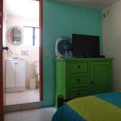 Отель Hostal de Maria Мексика, Гвадалахара - отзывы, цены и фото номеров - забронировать отель Hostal de Maria онлайн удобства в номере