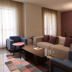 Ramada Hotel & Suites by Wyndham JBR гостиничный бар