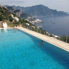 Отель Holidays Baia D'Amalfi бассейн