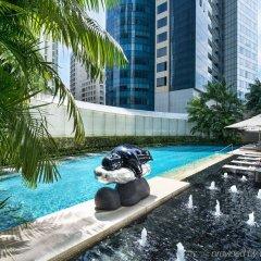 Отель The St. Regis Singapore бассейн