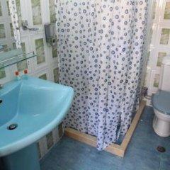 Отель Parlamenti Албания, Тирана - отзывы, цены и фото номеров - забронировать отель Parlamenti онлайн ванная