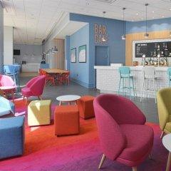 Отель Travelodge Brighton Seafront Брайтон гостиничный бар