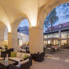 Отель Augustine, a Luxury Collection Hotel, Prague Чехия, Прага - отзывы, цены и фото номеров - забронировать отель Augustine, a Luxury Collection Hotel, Prague онлайн интерьер отеля