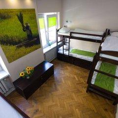 Отель Hostel Helvetia Польша, Варшава - 1 отзыв об отеле, цены и фото номеров - забронировать отель Hostel Helvetia онлайн комната для гостей фото 4