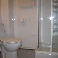 Отель Hostal Elkano Испания, Барселона - отзывы, цены и фото номеров - забронировать отель Hostal Elkano онлайн ванная фото 2