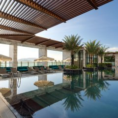 Отель Citadines Bayfront Nha Trang бассейн