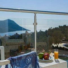 Villa Tizia by Akdenizvillam Турция, Калкан - отзывы, цены и фото номеров - забронировать отель Villa Tizia by Akdenizvillam онлайн балкон