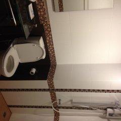 Отель Benjamas Place ванная фото 2