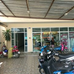 Отель Baan Yuwanda Phuket Resort парковка