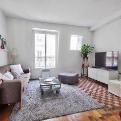 Апартаменты Apartment full of lights - Ternes комната для гостей фото 4