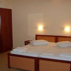 Отель Faros I сейф в номере
