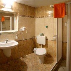 Отель Lazensky Hotel Pyramida I Чехия, Франтишкови-Лазне - отзывы, цены и фото номеров - забронировать отель Lazensky Hotel Pyramida I онлайн ванная фото 2