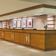 Отель DoubleTree by Hilton at the Entrance to Universal Orlando интерьер отеля