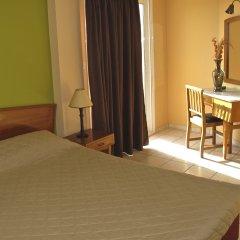 Evripides Hotel комната для гостей