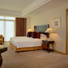 Отель Beach Rotana ОАЭ, Абу-Даби - 1 отзыв об отеле, цены и фото номеров - забронировать отель Beach Rotana онлайн комната для гостей фото 4