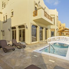 Отель Bespoke Residences-Luxury Frond A Villas бассейн