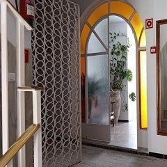 Отель Hostal Cas Bombu интерьер отеля