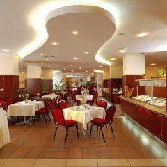 Отель Doubletree by Hilton Hotel Varna - Golden Sands Болгария, Золотые пески - 4 отзыва об отеле, цены и фото номеров - забронировать отель Doubletree by Hilton Hotel Varna - Golden Sands онлайн питание фото 3