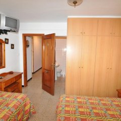 Отель Hostal Can Salvador Курорт Росес комната для гостей