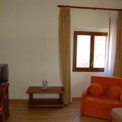 Отель Comte Tallaferro Испания, Олот - отзывы, цены и фото номеров - забронировать отель Comte Tallaferro онлайн комната для гостей фото 4