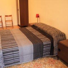 Отель Hostal Paraiso Барселона комната для гостей