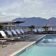 Отель The Fairmont Waterfront Канада, Ванкувер - отзывы, цены и фото номеров - забронировать отель The Fairmont Waterfront онлайн бассейн фото 2