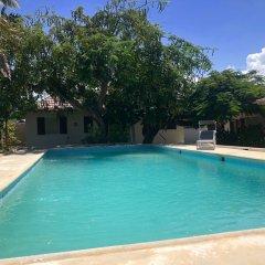 Отель Sunflower Villas Ямайка, Ранавей-Бей - отзывы, цены и фото номеров - забронировать отель Sunflower Villas онлайн бассейн фото 2