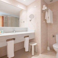 Отель Apartamentos Blau Parc Испания, Сан-Антони-де-Портмань - 1 отзыв об отеле, цены и фото номеров - забронировать отель Apartamentos Blau Parc онлайн ванная