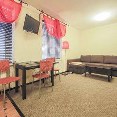 Гостиница Меблированные комнаты комфорт Австрийский Дворик Стандартный семейный номер с двуспальной кроватью