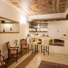 Отель Donatello Прага гостиничный бар