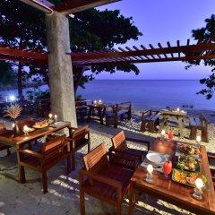 Отель Sai Daeng Resort Таиланд, Шарк-Бей - отзывы, цены и фото номеров - забронировать отель Sai Daeng Resort онлайн питание фото 2