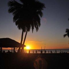 Отель Bamboo Backpackers Фиджи, Вити-Леву - отзывы, цены и фото номеров - забронировать отель Bamboo Backpackers онлайн бассейн