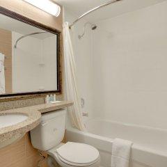 Отель Comfort Inn & Suites Downtown Edmonton ванная фото 2