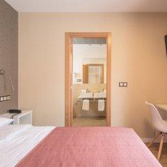Отель Hostal La Lonja удобства в номере