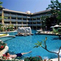Отель Thara Patong Beach Resort & Spa Таиланд, Пхукет - 7 отзывов об отеле, цены и фото номеров - забронировать отель Thara Patong Beach Resort & Spa онлайн бассейн