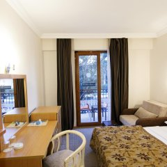 Perdikia Beach Hotel комната для гостей