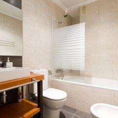 Отель Trinitarios Apartment Испания, Валенсия - отзывы, цены и фото номеров - забронировать отель Trinitarios Apartment онлайн ванная фото 2