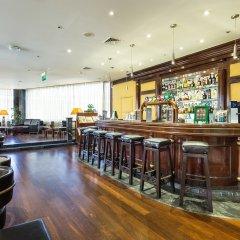 Отель Radisson Blu Hotel Португалия, Лиссабон - 10 отзывов об отеле, цены и фото номеров - забронировать отель Radisson Blu Hotel онлайн гостиничный бар