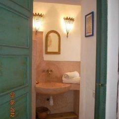 Отель Dar El Kharaz Марокко, Марракеш - отзывы, цены и фото номеров - забронировать отель Dar El Kharaz онлайн ванная