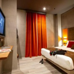 J24 Hotel Milano сейф в номере