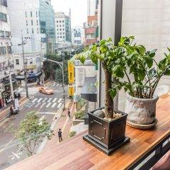 Отель Myeong-Dong New Stay Inn балкон